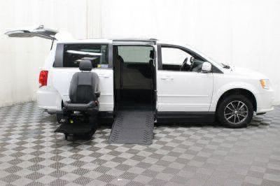 2017 Dodge Grand Caravan Wheelchair Van For Sale -- Thumb #8