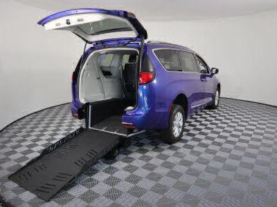 New Wheelchair Van for Sale - 2019 Chrysler Pacifica Touring L Wheelchair Accessible Van VIN: 2C4RC1BG6KR561634