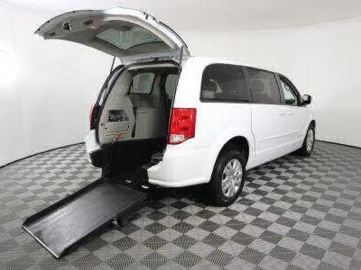Commercial Wheelchair Vans for Sale - 2017 Dodge Grand Caravan SE ADA Compliant Vehicle VIN: 2C4RDGBG4HR859995