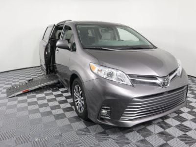 New Wheelchair Van for Sale - 2019 Toyota Sienna XLE Wheelchair Accessible Van VIN: 5TDYZ3DC5KS979397