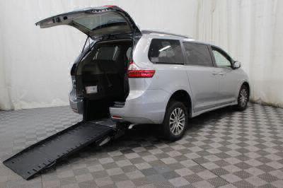 Commercial Wheelchair Vans for Sale - 2019 Toyota Sienna XLE ADA Compliant Vehicle VIN: 5TDYZ3DC5KS972739