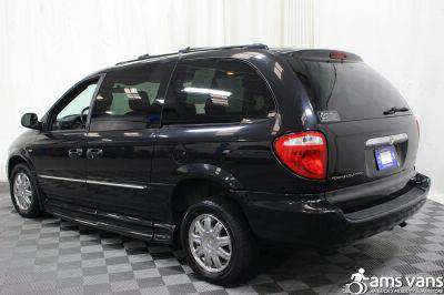 2004 Chrysler Town and Country Wheelchair Van For Sale -- Thumb #18