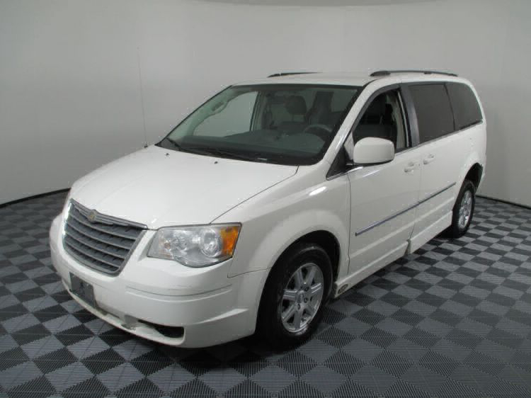 2010 Chrysler Town and Country Touring Wheelchair Van For Sale #17