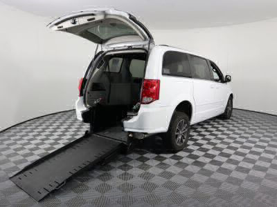 Commercial Wheelchair Vans for Sale - 2017 Dodge Grand Caravan SXT ADA Compliant Vehicle VIN: 2C4RDGCG5HR863052