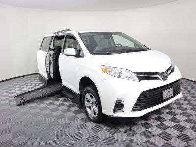 Handicap Van for Sale - 2018 Toyota Sienna LE Wheelchair Accessible Van VIN: 5TDKZ3DC2JS942232