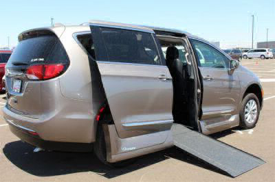 2018 Chrysler Pacifica Wheelchair Van For Sale -- Thumb #8