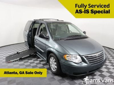 Used Wheelchair Van for Sale - 2007 Chrysler Town & Country Touring Wheelchair Accessible Van VIN: 2A4GP54L17R283529