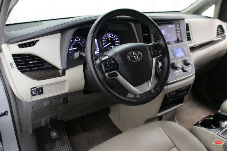2019 Toyota Sienna XLE Wheelchair Van For Sale #27