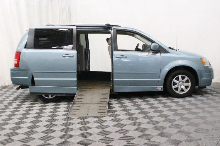 2008 Chrysler Town and Country Touring Wheelchair Van For Sale #2