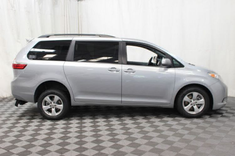 2015 Toyota Sienna LE Wheelchair Van For Sale #20