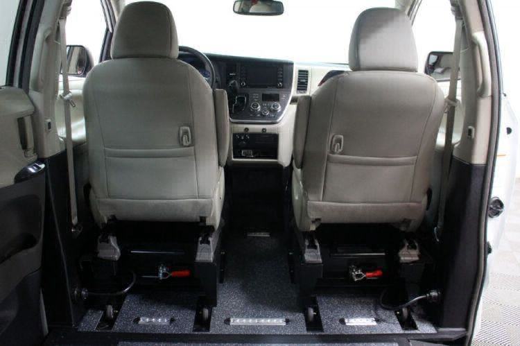 2019 Toyota Sienna XLE Wheelchair Van For Sale #5