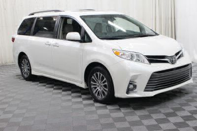 Commercial Wheelchair Vans for Sale - 2019 Toyota Sienna XLE ADA Compliant Vehicle VIN: 5TDYZ3DC3KS980001
