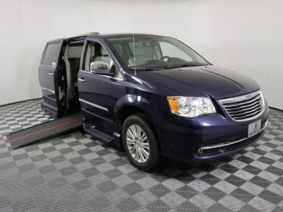 Used Wheelchair Van for Sale - 2014 Chrysler Town & Country Limited Wheelchair Accessible Van VIN: 2C4RC1GG0ER228374