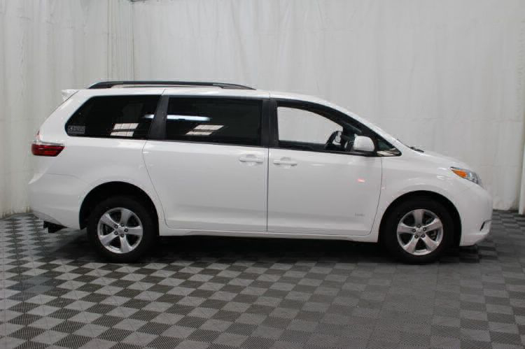 2015 Toyota Sienna LE Wheelchair Van For Sale #28