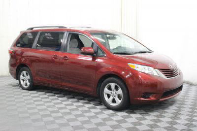 Commercial Wheelchair Vans for Sale - 2017 Toyota Sienna LE ADA Compliant Vehicle VIN: 5TDKZ3DC8HS824065