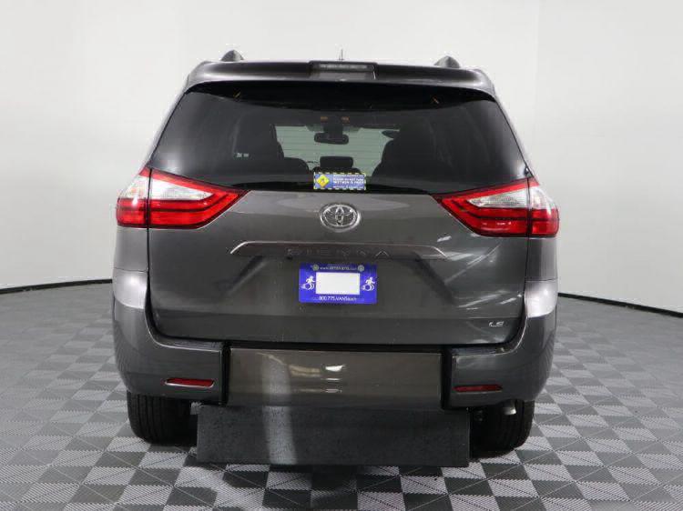 2018 Toyota Sienna LE Wheelchair Van For Sale #8