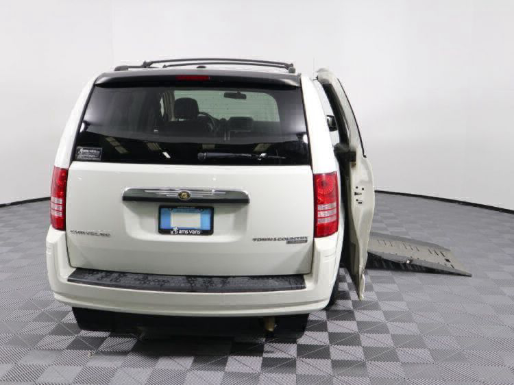 2010 Chrysler Town and Country Touring Wheelchair Van For Sale #31