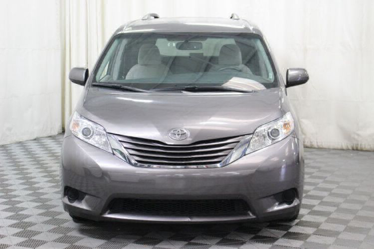 2017 Toyota Sienna LE Wheelchair Van For Sale #14