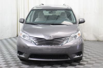 2017 Toyota Sienna Wheelchair Van For Sale -- Thumb #14