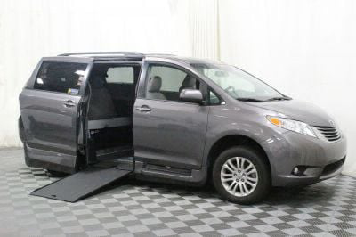 Commercial Wheelchair Vans for Sale - 2017 Toyota Sienna XLE ADA Compliant Vehicle VIN: 5TDYZ3DC2HS774869