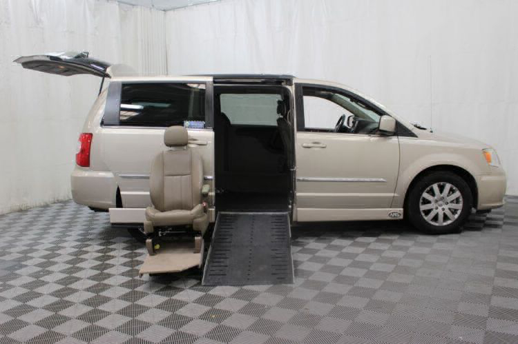 2014 Chrysler Town and Country Touring Wheelchair Van For Sale #27
