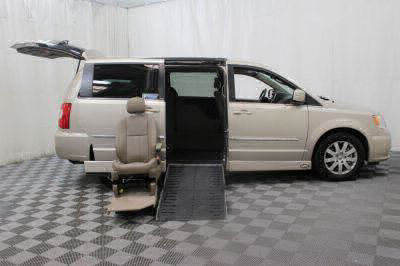 2014 Chrysler Town and Country Wheelchair Van For Sale -- Thumb #27