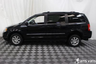 2009 Chrysler Town and Country Wheelchair Van For Sale -- Thumb #8