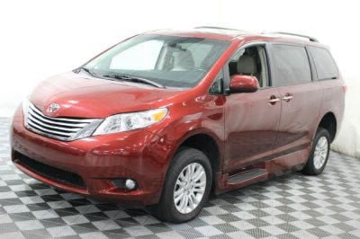 2016 Toyota Sienna Wheelchair Van For Sale -- Thumb #16
