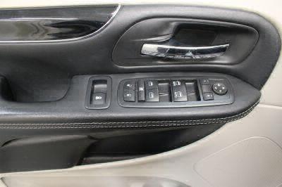 2017 Dodge Grand Caravan Wheelchair Van For Sale -- Thumb #17