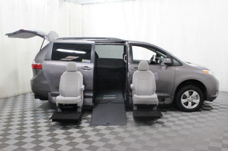 2017 Toyota Sienna LE Wheelchair Van For Sale #11