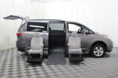 2017 Toyota Sienna Wheelchair Van For Sale -- Thumb #11