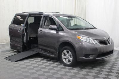 2017 Toyota Sienna Wheelchair Van For Sale -- Thumb #1