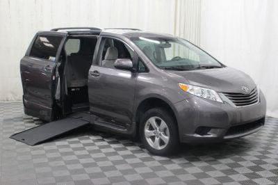 Commercial Wheelchair Vans for Sale - 2017 Toyota Sienna LE ADA Compliant Vehicle VIN: 5TDKZ3DC5HS833208