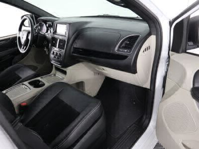 2018 Dodge Grand Caravan Wheelchair Van For Sale -- Thumb #26