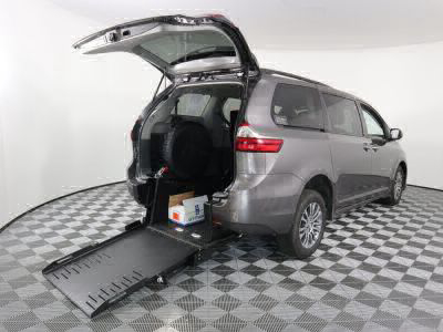 Commercial Wheelchair Vans for Sale - 2020 Toyota Sienna XLE ADA Compliant Vehicle VIN: 5TDYZ3DC3LS025510