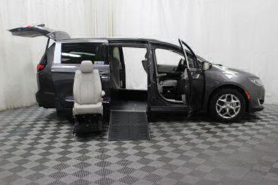 2017 Chrysler Pacifica Wheelchair Van For Sale -- Thumb #10