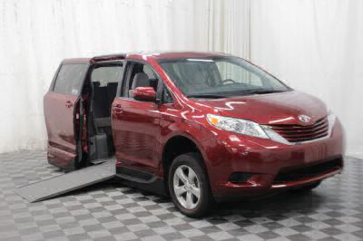 Used Wheelchair Van for Sale - 2017 Toyota Sienna LE 8-Passenger Wheelchair Accessible Van VIN: 5TDKZ3DC6HS891439