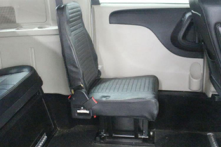 2014 Chrysler Town and Country Touring Wheelchair Van For Sale #15