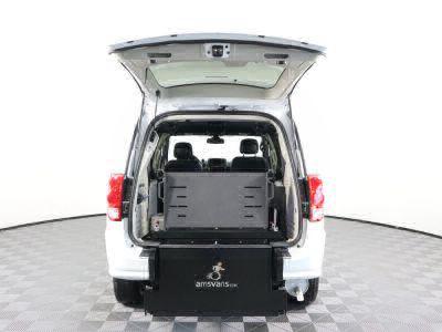 2018 Dodge Grand Caravan Wheelchair Van For Sale -- Thumb #31