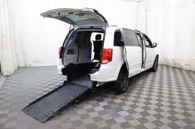 Commercial Wheelchair Vans for Sale - 2017 Dodge Grand Caravan SXT ADA Compliant Vehicle VIN: 2C4RDGCG7HR724556