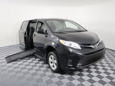 New Wheelchair Van for Sale - 2019 Toyota Sienna LE Wheelchair Accessible Van VIN: 5TDKZ3DC1KS992105