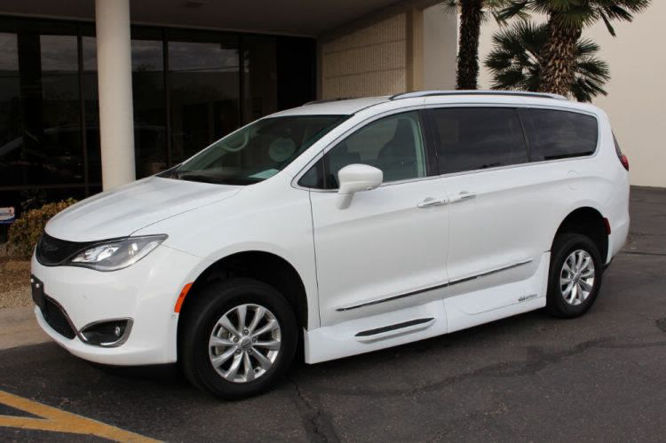2018 Chrysler Pacifica Touring L Wheelchair Van For Sale #6