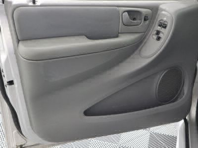 2006 Dodge Grand Caravan Wheelchair Van For Sale -- Thumb #6