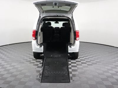 Commercial Wheelchair Vans for Sale - 2019 Dodge Grand Caravan SXT ADA Compliant Vehicle VIN: 2C4RDGCG3KR632562