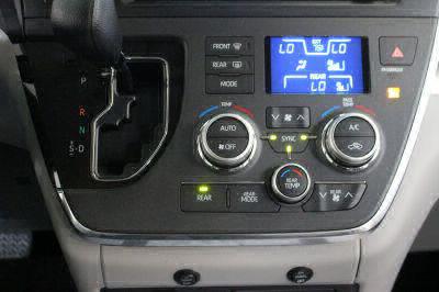 2018 Toyota Sienna Wheelchair Van For Sale -- Thumb #33