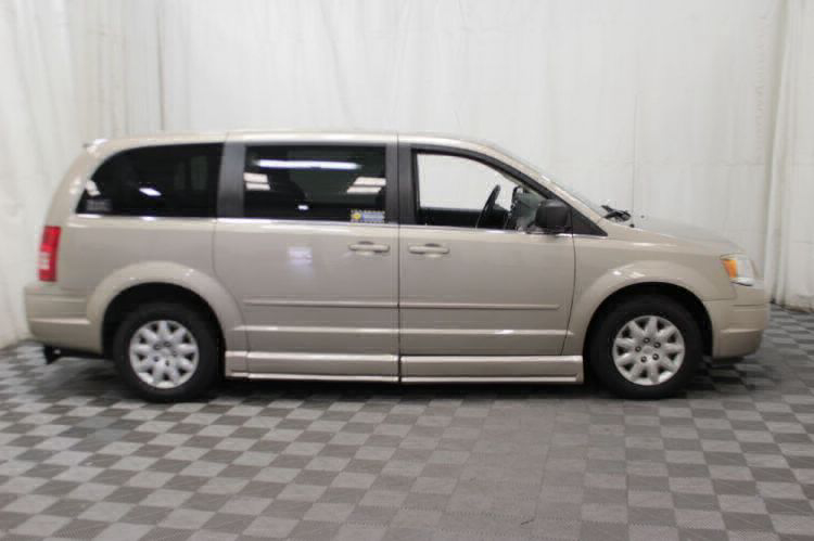 2009 Chrysler Town and Country LX Wheelchair Van For Sale #25