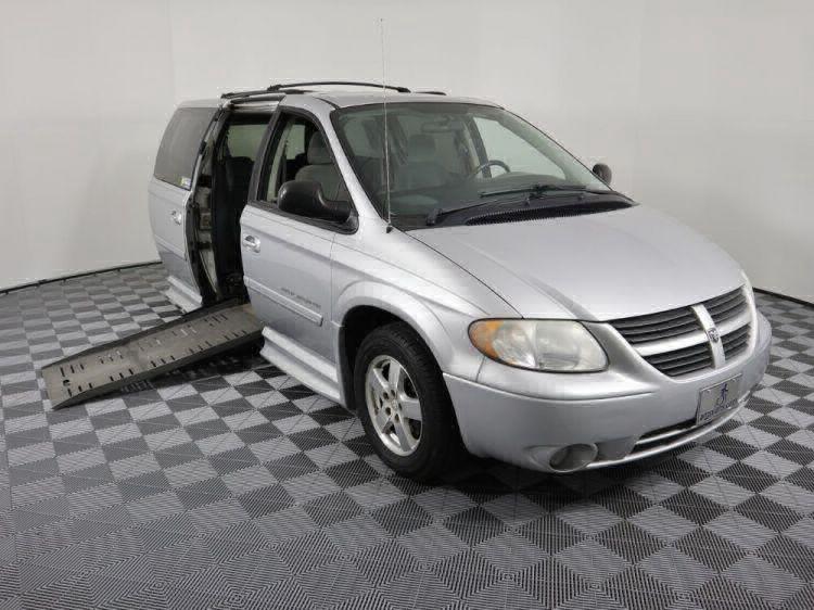 2006 Dodge Grand Caravan SXT Wheelchair Van For Sale #2