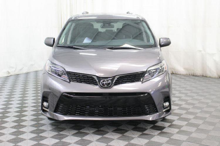 2018 Toyota Sienna SE Wheelchair Van For Sale #10