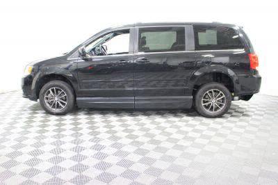 2017 Dodge Grand Caravan Wheelchair Van For Sale -- Thumb #10
