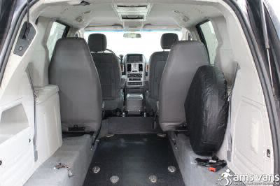 2009 Chrysler Town and Country Wheelchair Van For Sale -- Thumb #3